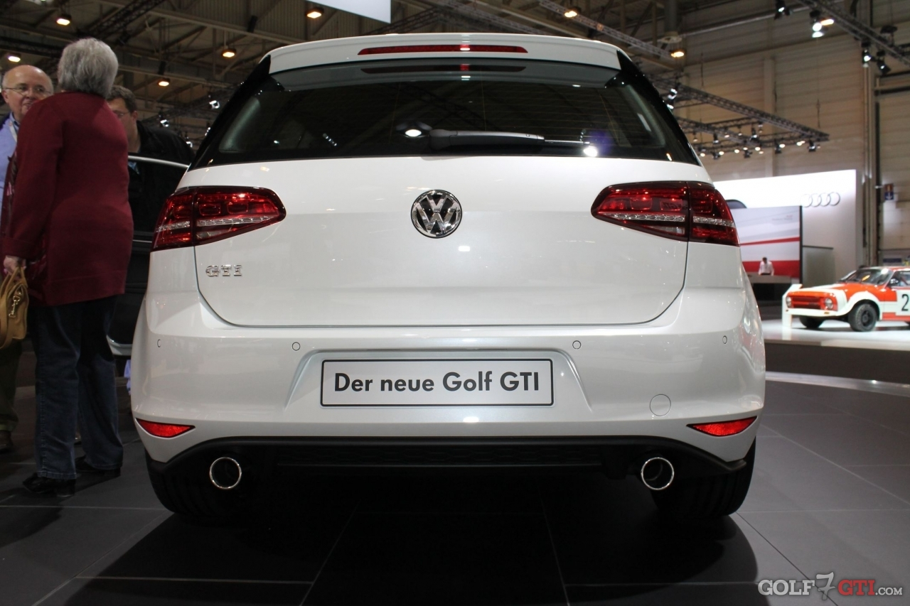 deutschland vorstellung der golf gti golf 7 gti. Black Bedroom Furniture Sets. Home Design Ideas