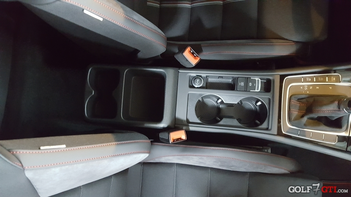 mittelarmlehne nachr sten clubsport golf 7 gti. Black Bedroom Furniture Sets. Home Design Ideas